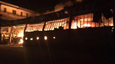 Photo of Incendio a via Schito , ancora una volta incendiato un capannone