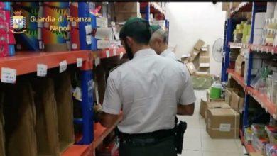 Photo of Napoli. Guardia di Finanza sequestra 2milioni di articoli scolastici pericolosi