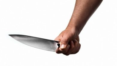 Photo of Napoli. Minaccia steward col coltello per uscire dallo stadio: denunciato 81enne