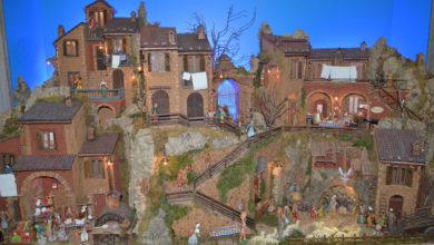 Photo of Salerno. Guardia di Finanza e Arte Presepiale: esposto in Via Duomo presepe artigianale