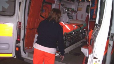 Photo of Auto senza freno a mano travolge e uccide parcheggiatore, tragedia a Pagani