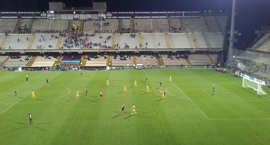 Photo of Serie B. Salernitana, che disastro: Parma corsaro all'Arechi