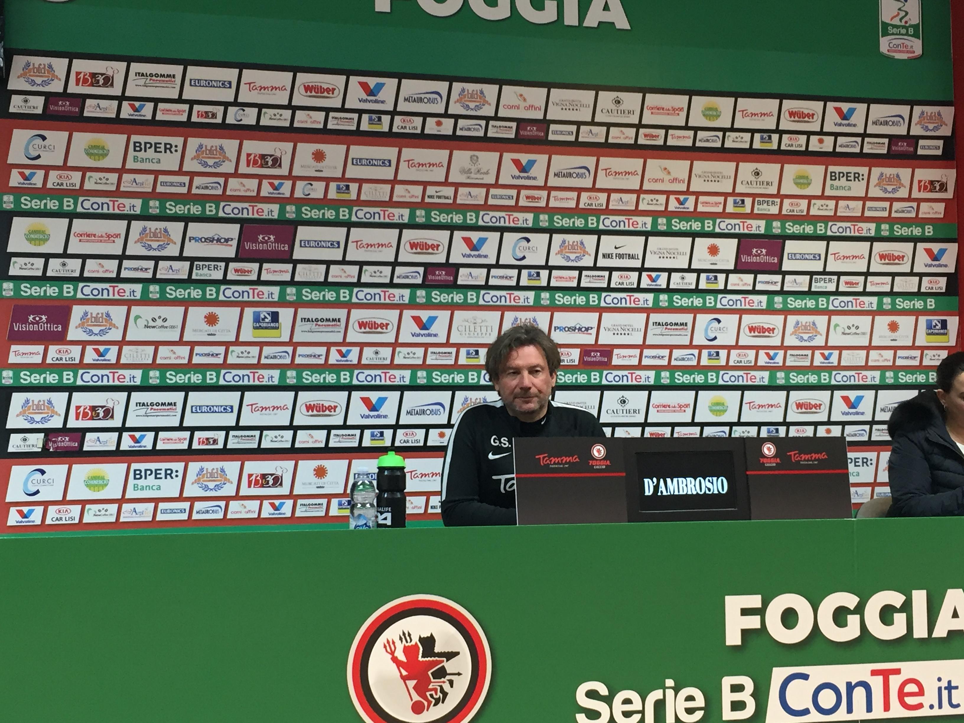 Photo of Foggia, Stroppa: ''Ho rivisto la partita e i cambi erano giusti. Panchina d'Oro? È una soddisfazione importante, il mio ringraziamento va ai calciatori''