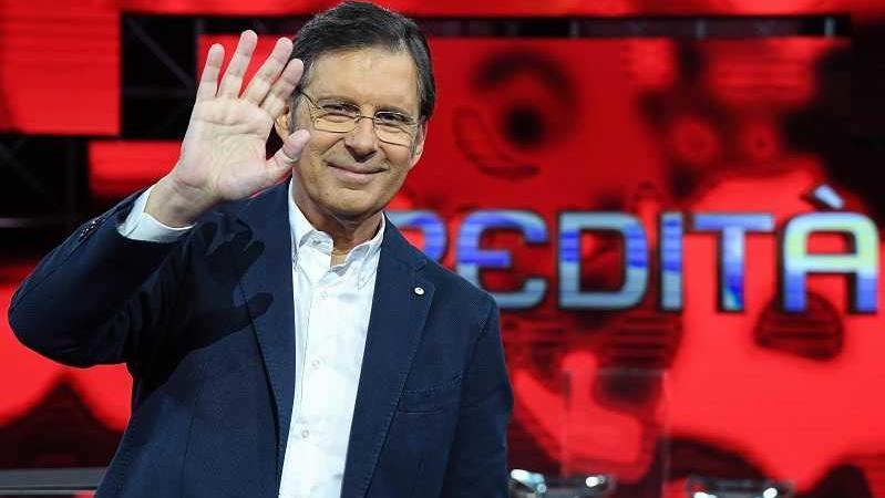 Photo of Fabrizio Frizzi, ad un anno dalla morte il ricordo emozionante dei colleghi