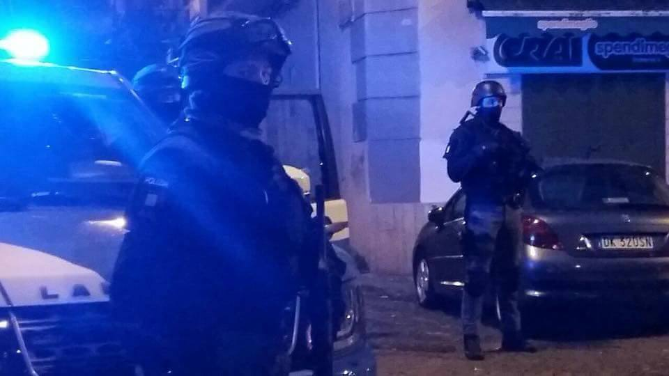 Blitz nel rione Sanità, arrestati 18 presunti affiliati del clan Vastarella