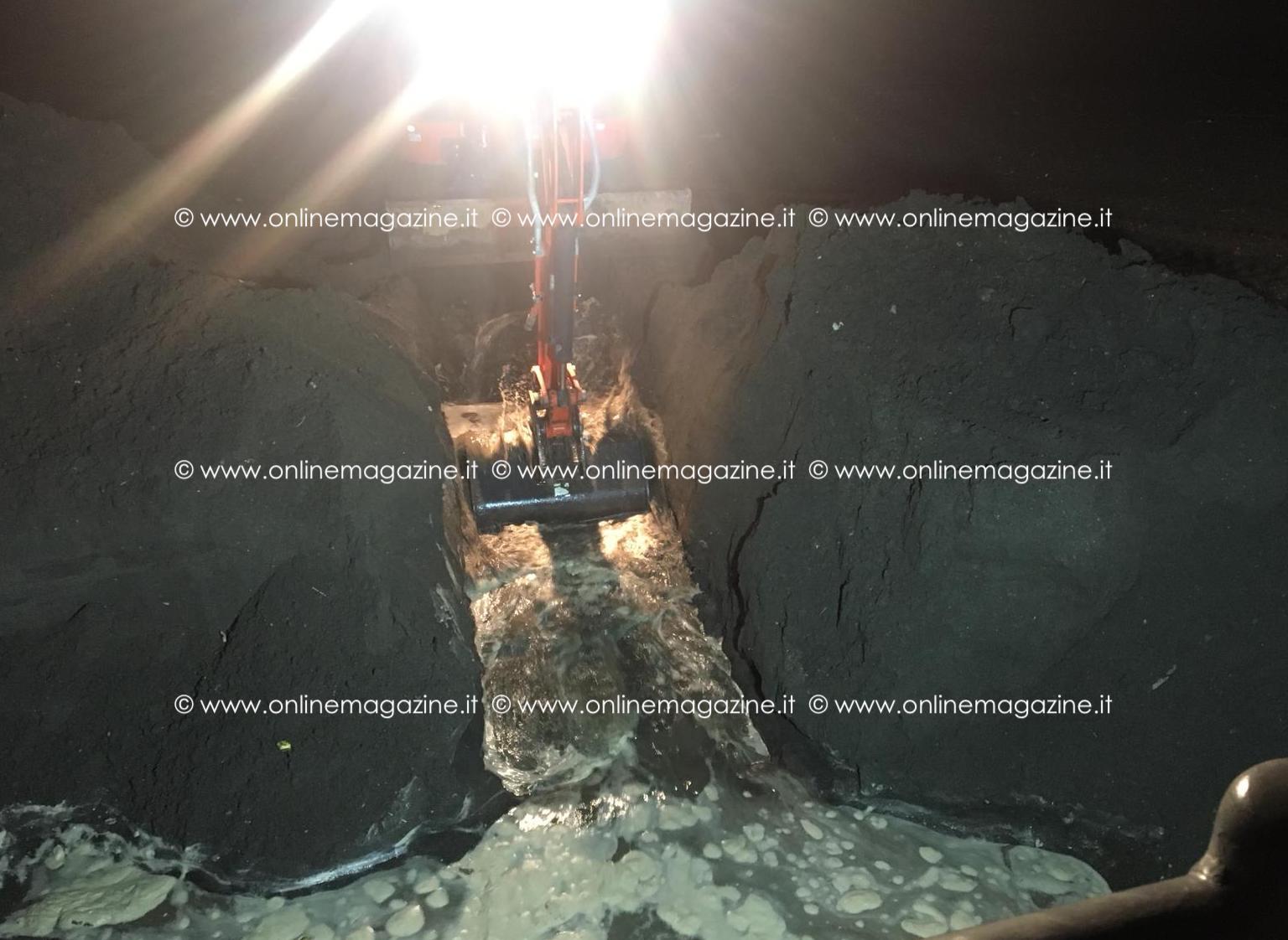 Photo of Castellammare. Si scava per liberare gli scarichi: ritrovato telaio di uno scooter