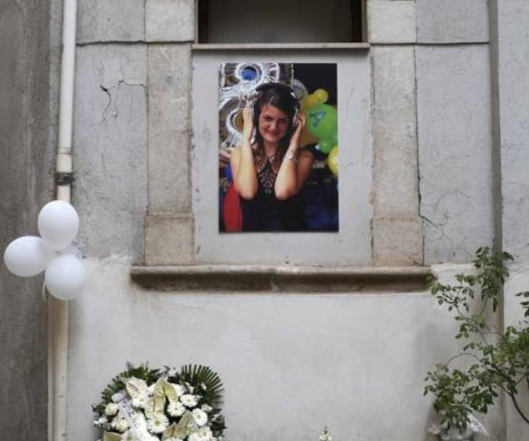 """Photo of Funerali di Giada, gli amici: """"Il tuo un gesto di protesta contro una società che ci vuole perfetti"""""""