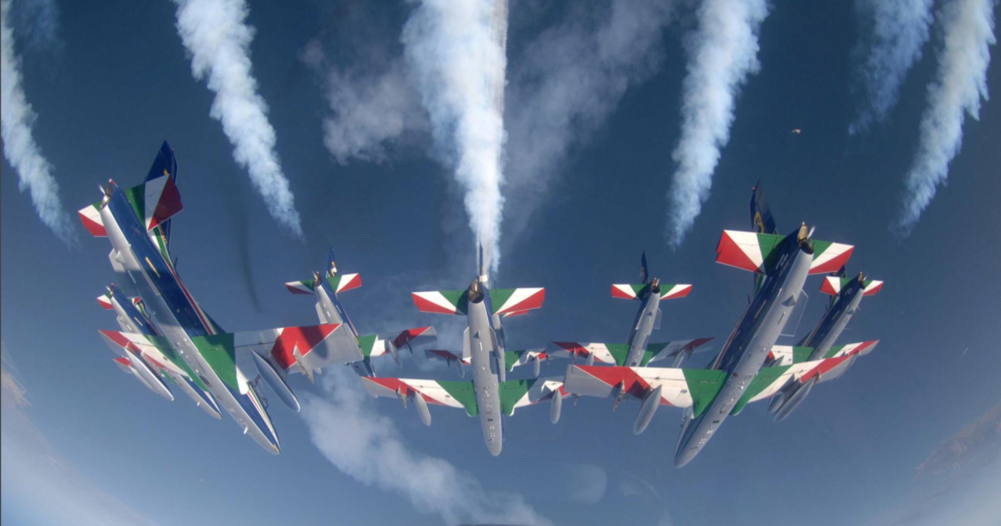 Photo of Le Frecce Tricolori fanno tappa in Penisola: appuntamento a Sorrento