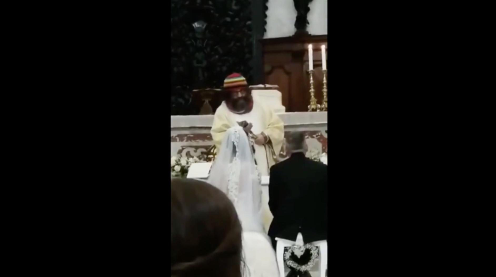 Auguri Matrimonio Jovanotti : Video u proposta di matrimonio per due sampietrani gli auguri di