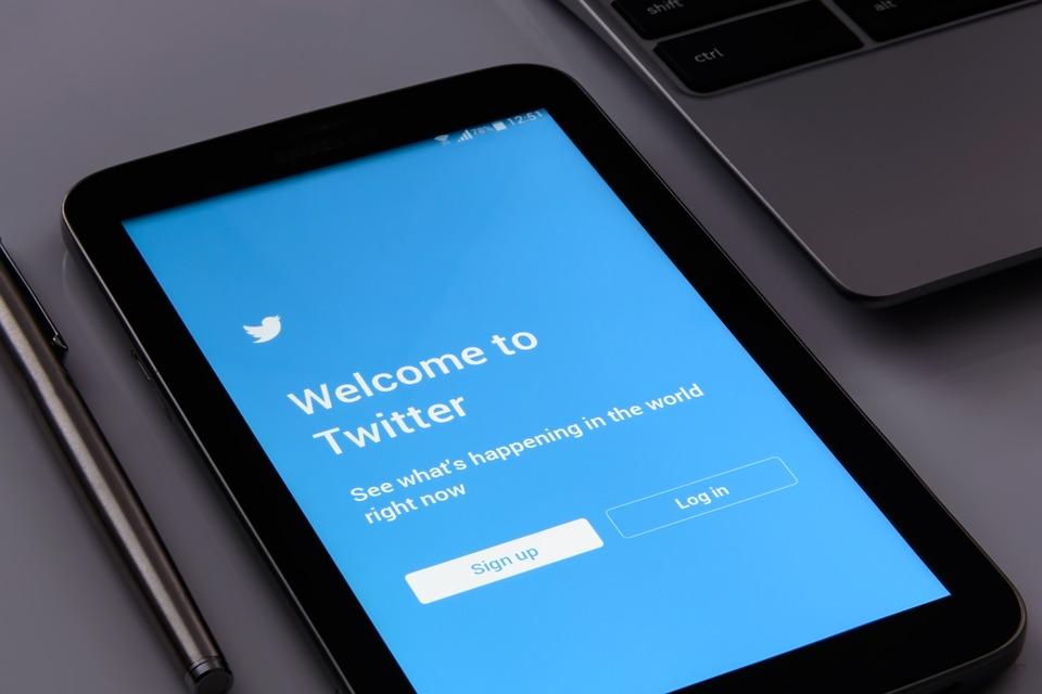 Photo of Twitter sperimenta due nuove funzioni in perfetto stile Facebook