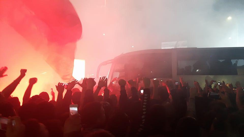 Photo of Napoli, una città in festa: circa 20mila tifosi ad attendere la squadra a Capodichino