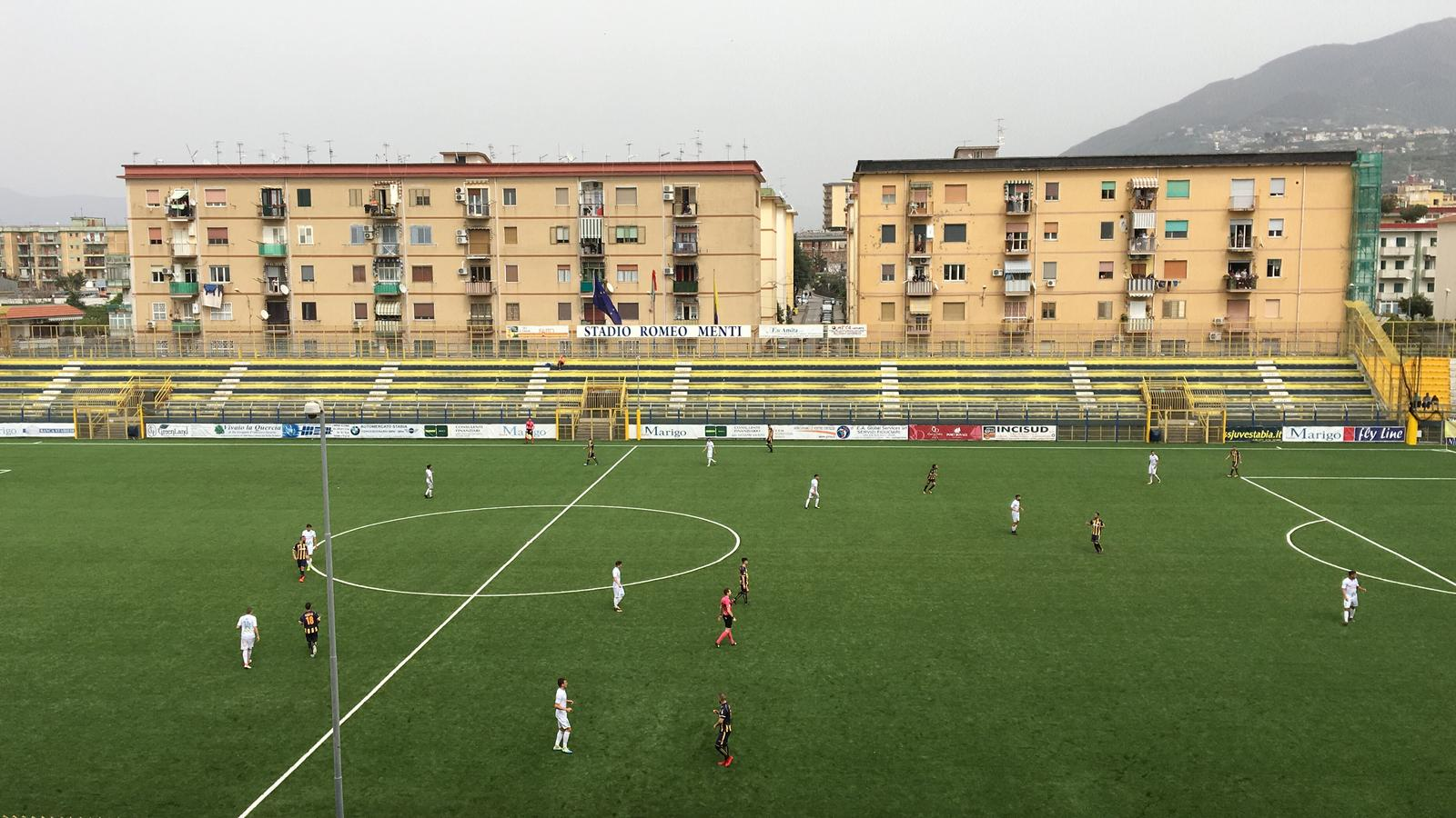 Photo of La Juve Stabia vince e convince: 2-1 al Monopoli e quarto posto in classifica
