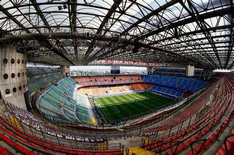 Photo of Milan-Lazio, cori contro Bakayoko all'entrata dello stadio
