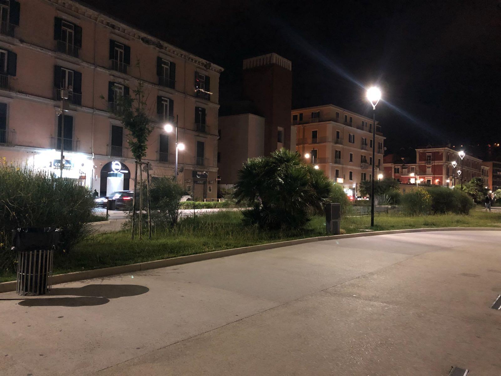 Photo of Castellammare. Violenza in Villa Comunale, aggredito venditore di rose