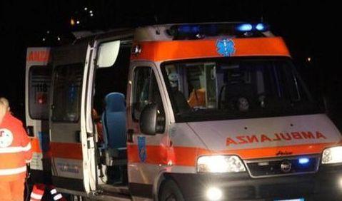 Photo of Uomo accoltellato per strada a Torino, gravi le sue condizioni