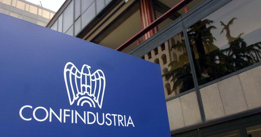 Photo of Confindustria boccia il reddito di cittadinanza: è un grande spreco