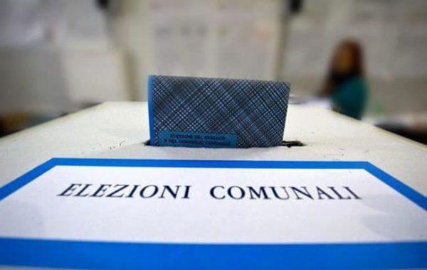 Photo of Castellammare, clan nei seggi e pacchi con la spesa: aperte due inchieste sul voto stabiese