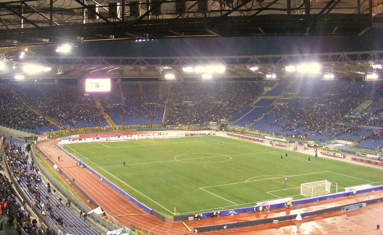 Photo of Roma-Napoli, cori di discriminazione territoriale: Rocchi sospende la partita