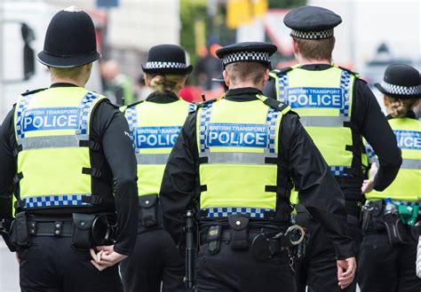 Photo of Brutale omicidio a Londra: 15enne ucciso a coltellate