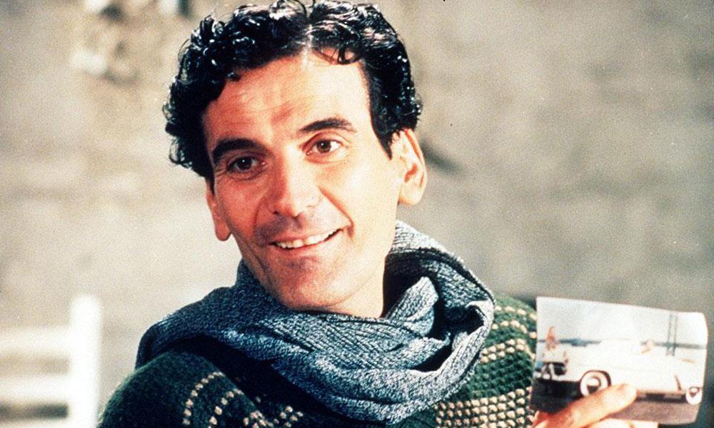 Photo of 24 anni fa ci lasciò Massimo Troisi, attore e sceneggiatore napoletano