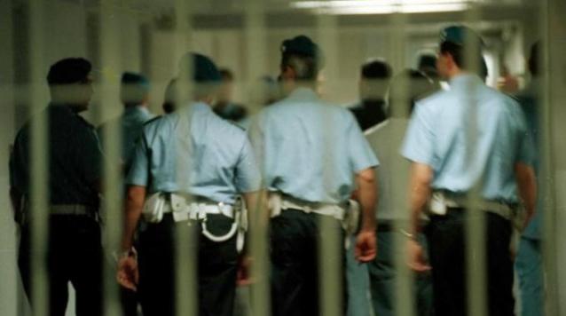 Photo of Carceri, il Sappe chiede taser e spray al peperonico per agenti penitenziari