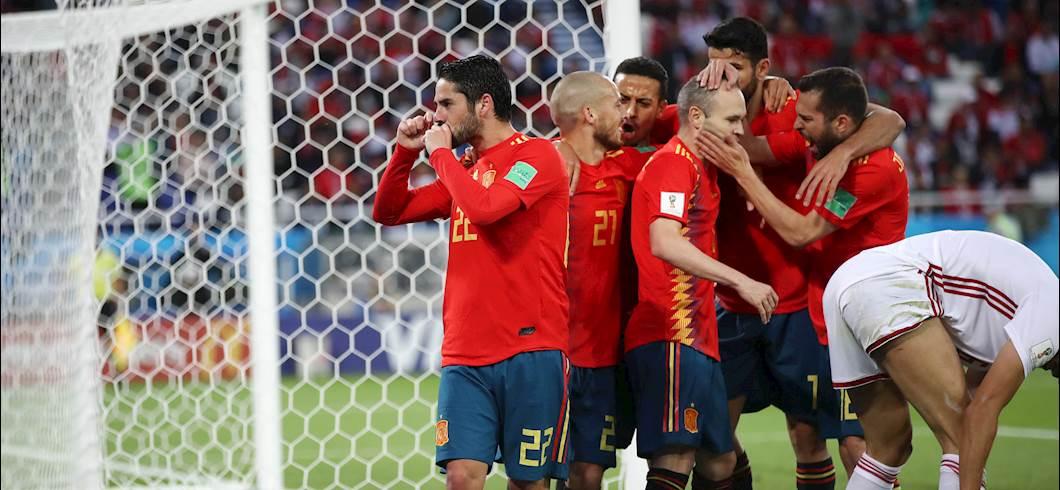 Photo of Mondiali, girone B: tra Spagna e Marocco termina 2-2, pari che vale il primo posto del girone. La Russia prossimo avversario