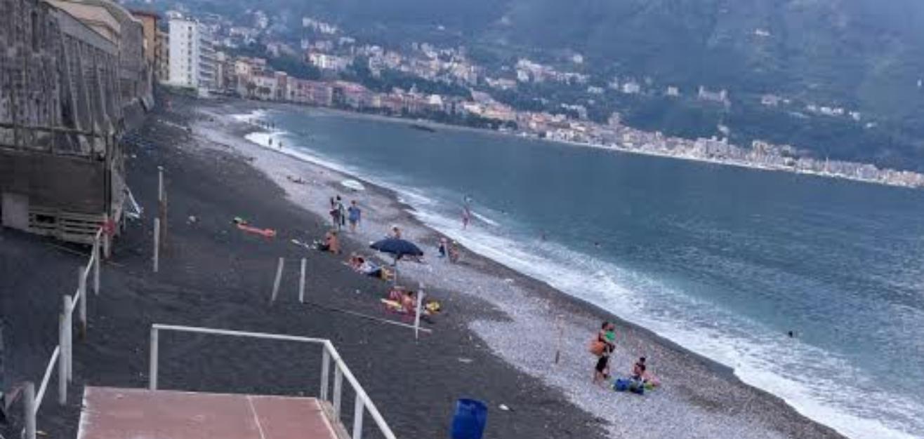 Photo of Castellammare. Blitz della Guardia Costiera, smantellato lido abusivo lungo via De Gasperi