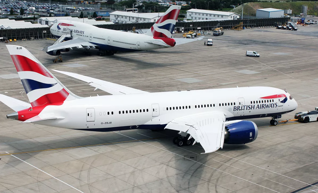 Terrore sul volo Napoli-Londra: aereo costretto ad atterraggio d'emergenza