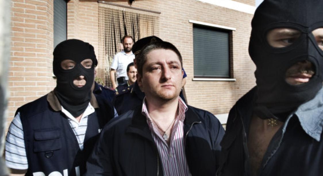 Photo of Camorra. Si pente il figlio di Sandokan: con gli islamici voleva uccidere il procuratore De Raho
