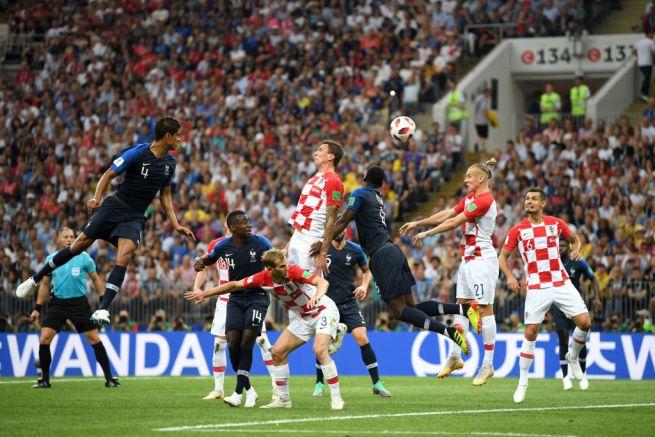 Photo of Da Deschamps a Pogba, da Zidane a Griezmann e Mbappé: il Mondiale torna ad essere Blue dopo 20 anni. Battuta 4-2 una Croazia Storica
