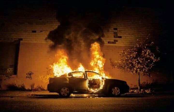 Photo of Avellino, auto in fiamme: grave il 50enne proprietario