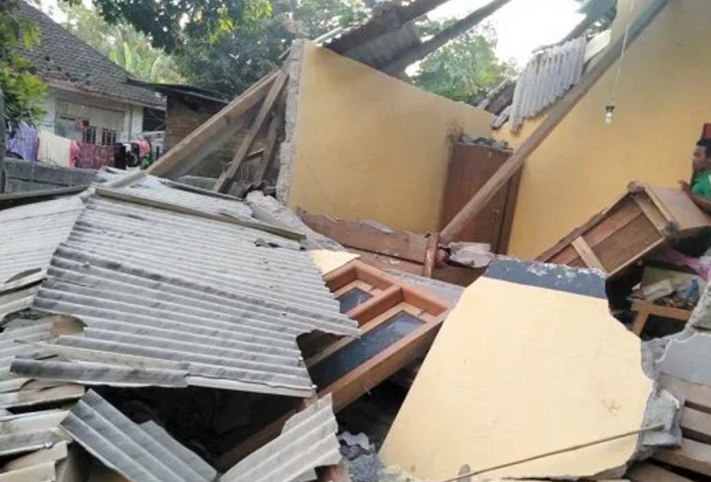 Photo of Terremoto in Indonesia, si aggrava il bilancio delle vittime
