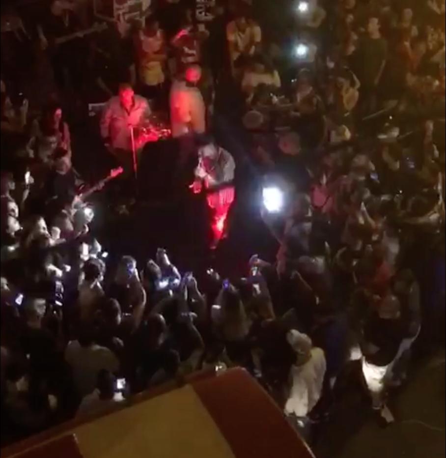Photo of Castellammare. Serenata blocca Via Roma, traffico e proteste sui social (VIDEO)