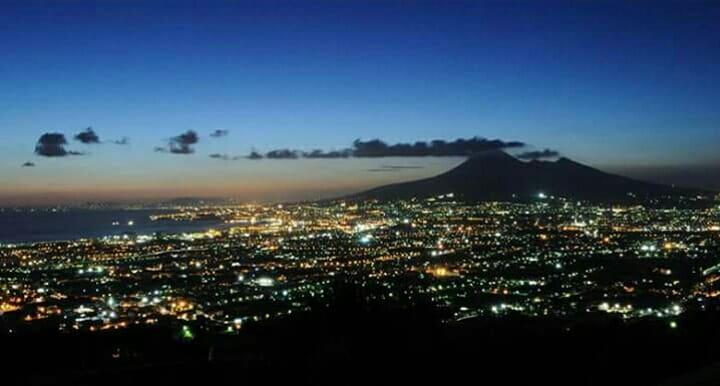 Photo of 'Vesuvio sotto le stelle': iniziano le escursioni serali