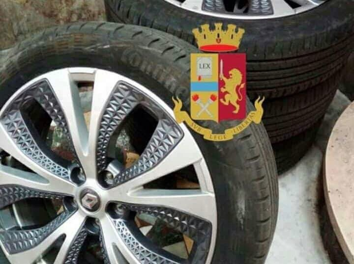 Photo of Erano specializzati in furto di pneumatici: in manette l'intera banda