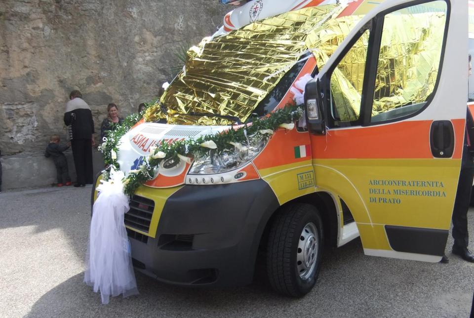 Matrimonio In Ambulanza : Sposi in ambulanza in campania due casi in poche ore