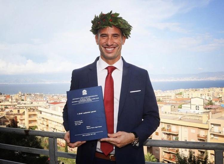 Photo of La Serie A ha un nuovo dottore, Christian Puggioni corona il suo sogno presso l'Università di Reggio Calabria