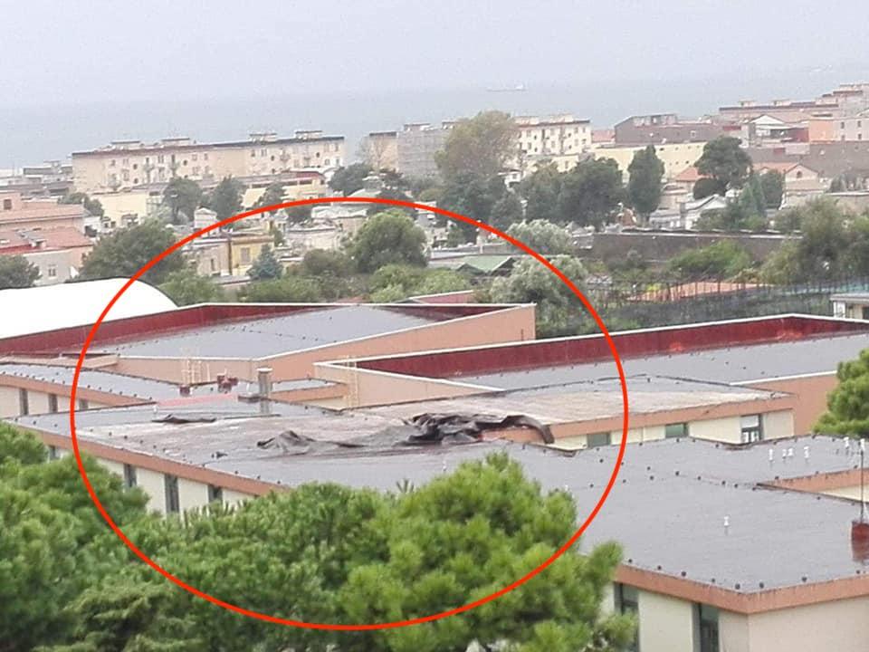 Photo of Maltempo Castellammare. Liceo Severi danneggiato: chiusura per due giorni