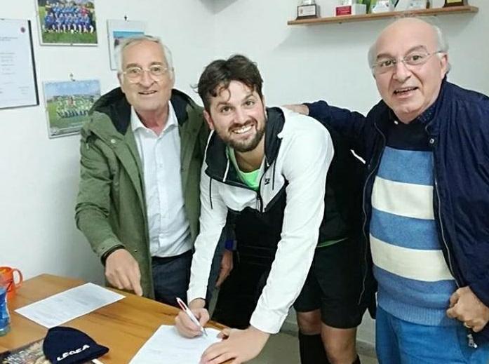 Photo of Frank Matano si dà al calcio: c'è la firma col Carinola