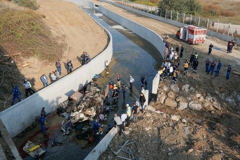 Si ribalta tir con migranti, 19 morti