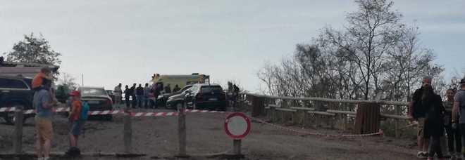 Photo of Tragedia sul Vesuvio. Voleva arrivare in cima al cratere ma accusa un malore: operaio 63enne perde la vita