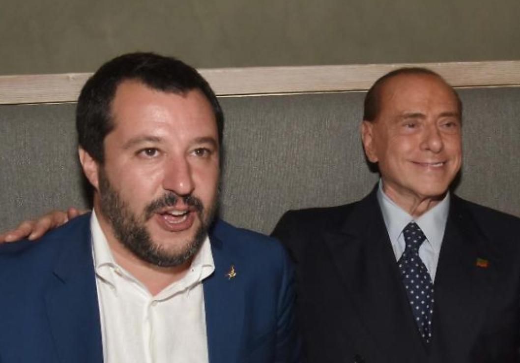 """Photo of Berlusconi incontra Salvini: """"Spero stacchi presto la spina al M5S"""""""
