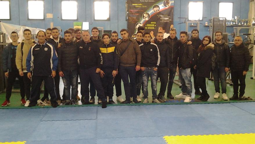 Photo of Castellammare. Gli studenti dell' ITIS tra le vele di Scampia per un corso di Judo