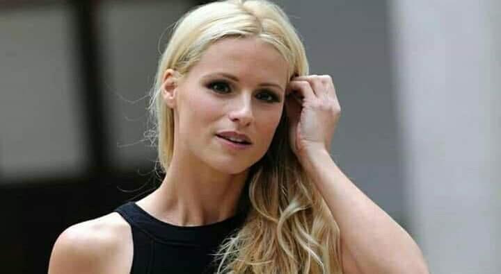 Photo of Libertà vigilata allo stalker di Michelle Hunziker