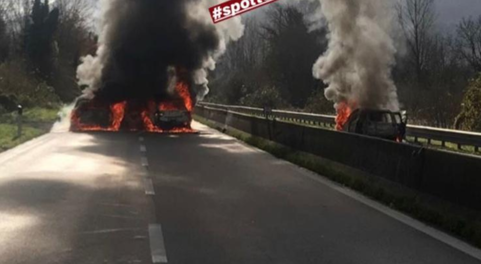 Photo of Far west sul raccordo Salerno-Avellino,  spari e auto in fiamme: traffico bloccato