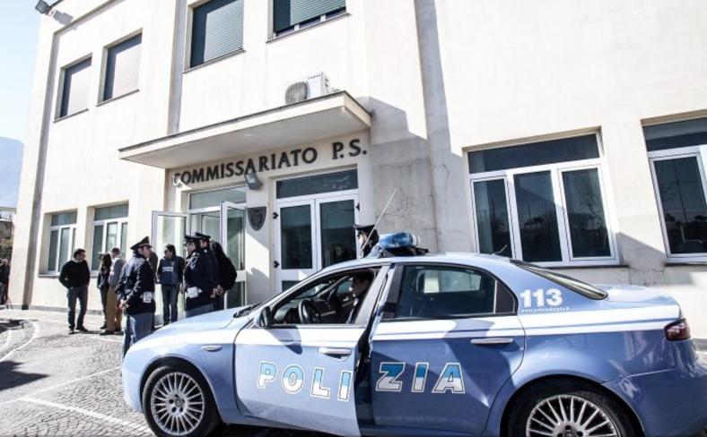 Photo of Castellammare. Picchiarono un giovane con un casco per una ragazza: arrestati
