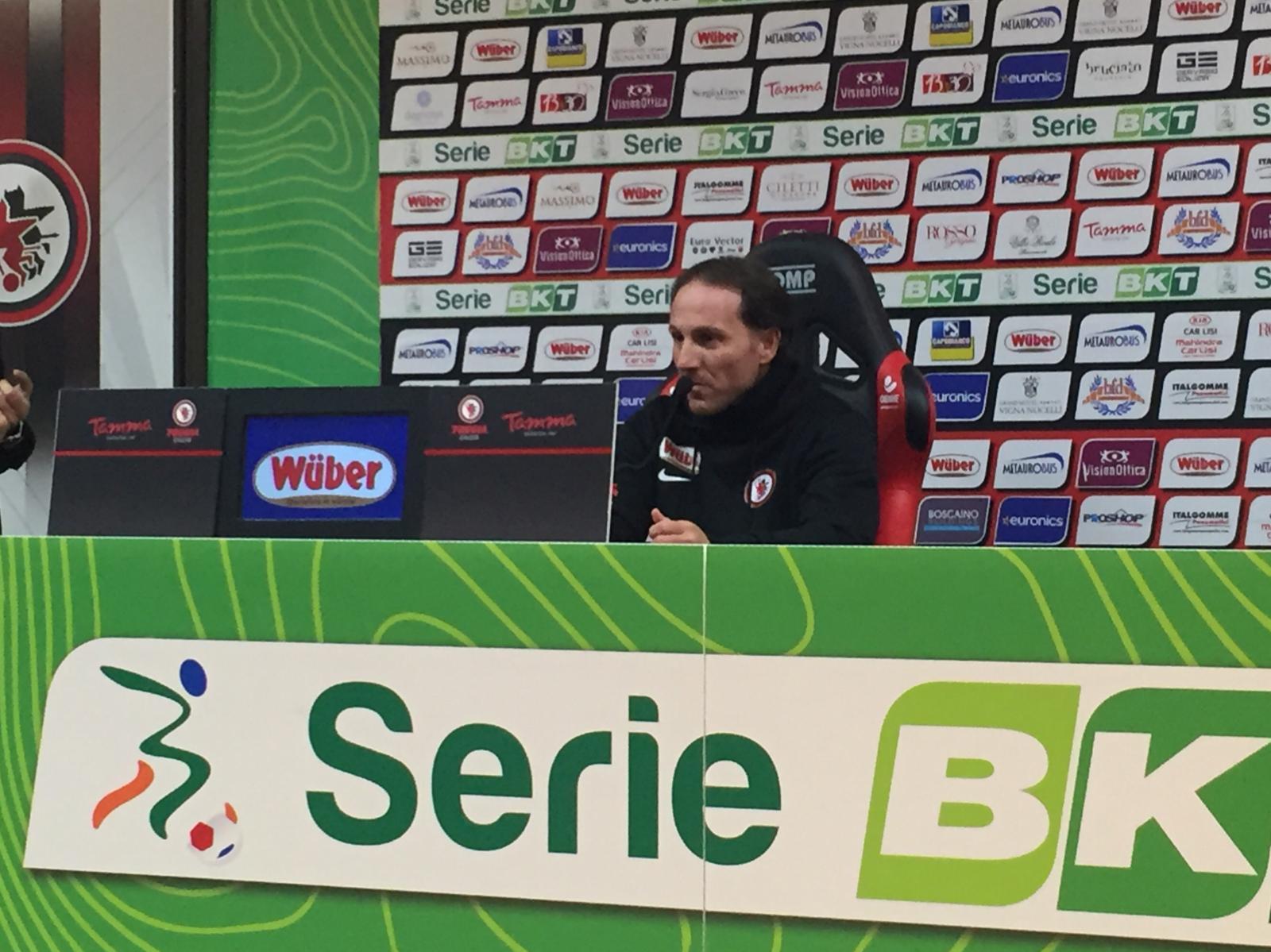 """Photo of Il Foggia torna a sorridere, contro la Cremonese finisce 3-1. Pavone: """"Esordio e vittoria, un sogno. Questo è il miglior vestito del Foggia"""""""