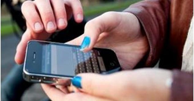 Photo of Napoli. Ruba un iphone a una ragazza nel Centro Storico: denunciato 17enne