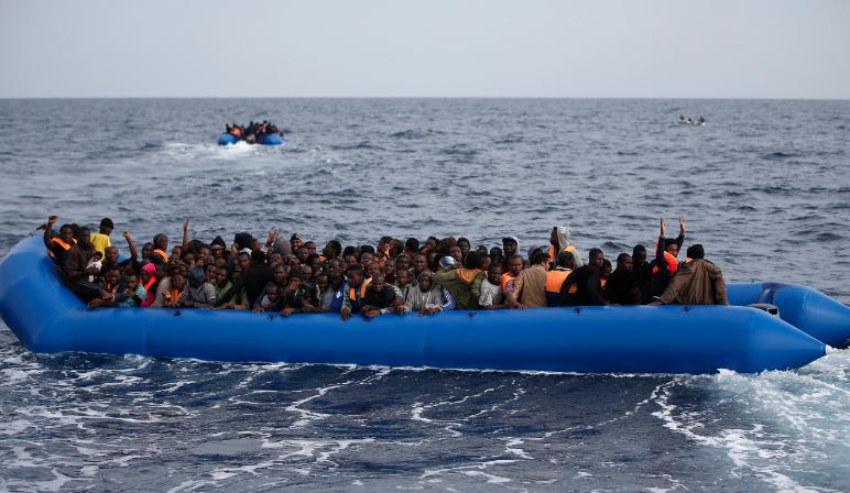 Photo of Migranti. Naufragio in mare, in 40 si salvano ma muore una bambina di 4 anni