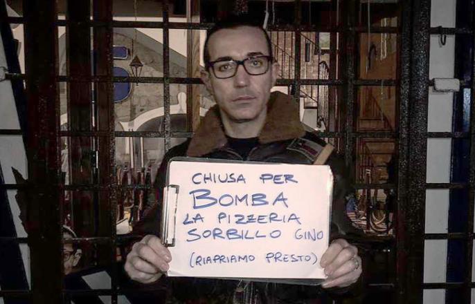 Photo of Bomba nella notte contro la pizzeria Sorbillo ai Decumani
